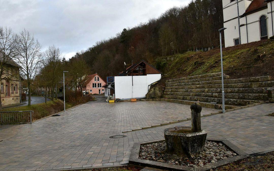 Der Dorfplatz in Paimar ist fertiggestellt